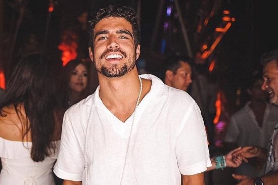 Altura e peso Caio Castro